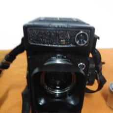 Cámara de fotos: YASHICA MAT 124 G CON EXTRAS. Lote 148540250
