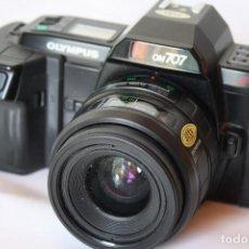 Cámara de fotos: OLIMPUS OM 707. Lote 152460330