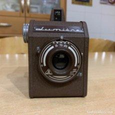 Cámara de fotos: LUMIERE LUX-BOX 1952 . Lote 154594850