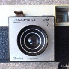 Cámara de fotos: KODAK INSTAMATIC 25 CON CAJA ORIGINAL. Lote 155992162