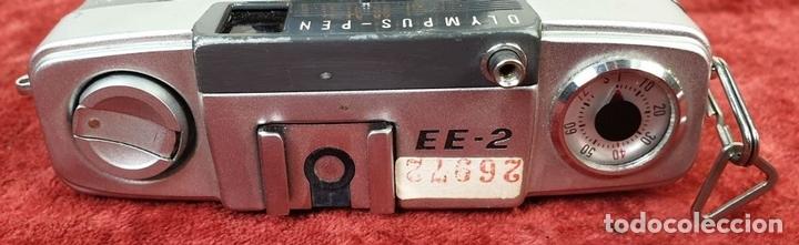 Cámara de fotos: CAMARA FOTOGRAFICA OLYMPUS PEN. EE-2. JAPÓN CIRCA. OLYMMPUS D. ZUIKO. 1970. - Foto 2 - 168445052