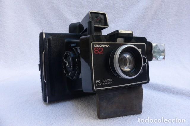 CAMARA INSTANTANEA POLAROID COLORPACK 82...DECADA DE LOS 80..CON CUBO FLAHS Y PROCESADOR DE TIEMPO. (Cámaras Fotográficas - Clásicas (no réflex))