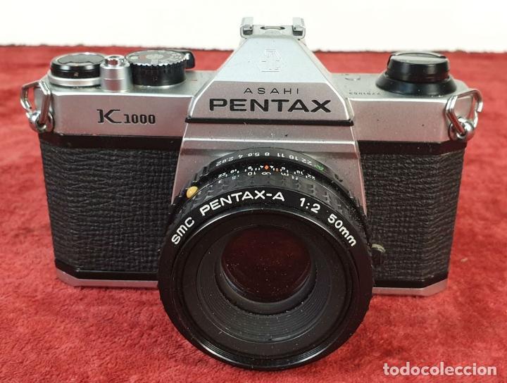 Cámara de fotos: CÁMARA FOTOGRÁFICA PENTAX MODELO K 1000. FUNDA ORIGINAL. CIRCA 1980. - Foto 2 - 213444063