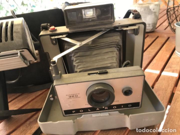 Cámara de fotos: Antigua Cámara Fotos Polaroid 320. Automática. De fuelle. Con Flash y funda. - Foto 2 - 193610171