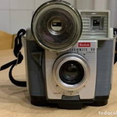 Cámara de fotos: KODAK BROWNIE FLASHMITE 20 . Lote 194876072