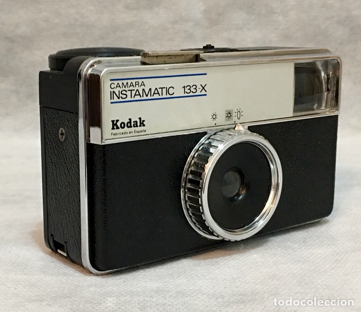 Cámara de fotos: Cámara Kodak Instamatic 133-X antigua - Foto 2 - 195244755