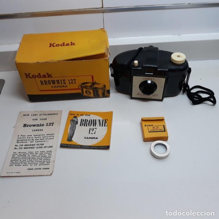 Cámara de fotos: Camara Kodak Brownie 127 con caja,instrucciones y lente con su caja. - Foto 2 - 196343232