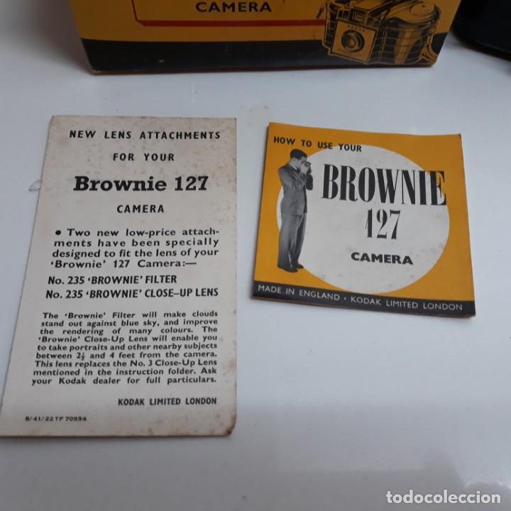 Cámara de fotos: Camara Kodak Brownie 127 con caja,instrucciones y lente con su caja. - Foto 3 - 196343232