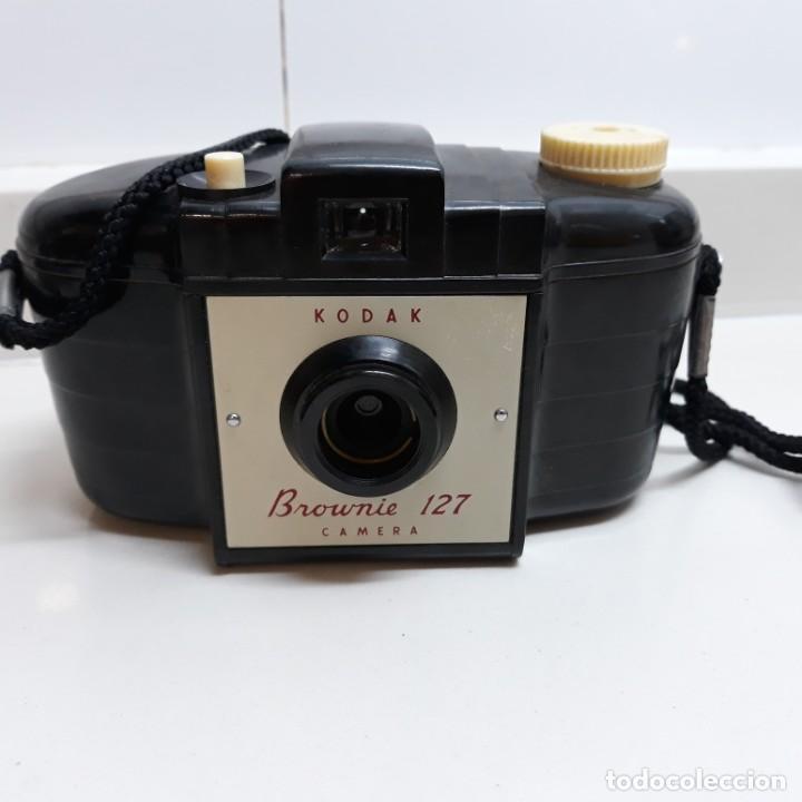 Cámara de fotos: Camara Kodak Brownie 127 con caja,instrucciones y lente con su caja. - Foto 7 - 196343232