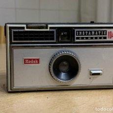 Cámara de fotos: KODAK INSTAMATIC 104. Lote 199698302