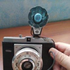 Cámara de fotos: DACORA DIGNA CON FLASH 1954. Lote 204688017