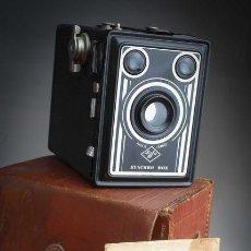 Cámara de fotos: CAMARA DE FOTO ANTIGUA 1951 AGFA SYNCHRO BOX. Lote 209792915