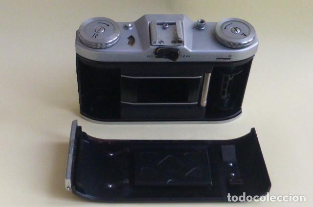 Cámara de fotos: Camara de fuelle, Beltica..Carl Zeiss Jena....Decada de los 50/60...Ver fotos..Descripcion. - Foto 9 - 211933998