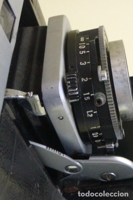 Cámara de fotos: Camara de fuelle, Beltica..Carl Zeiss Jena....Decada de los 50/60...Ver fotos..Descripcion. - Foto 13 - 211933998