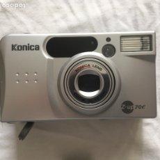 Cámara de fotos: CAMARA DE FOTO KONICA CON FUNDA. Lote 222082400