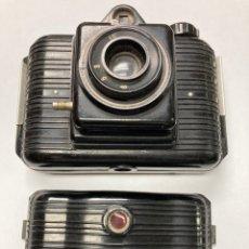 Cámara de fotos: CÁMARA DE FOTOS WINAR ANTIGUA 1954 DE BAQUELITA. Lote 236024175
