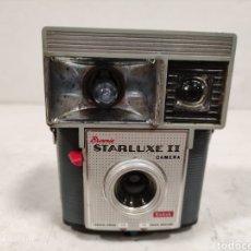 Cámara de fotos: KODAK BROWNIE STARLUXE II.AÑO 1960.FRANCESA. Lote 236996015