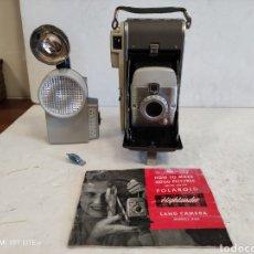 Cámara de fotos: POLAROID 80A HIGHLANDER CON FLASHES.AÑO 1957. Lote 249340355
