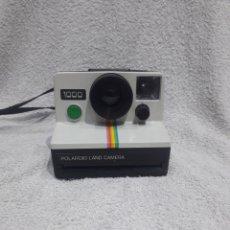 Cámara de fotos: POLAROID LAND CAMERA 1000. BOTÓN VERDE. 1977. Lote 261302490