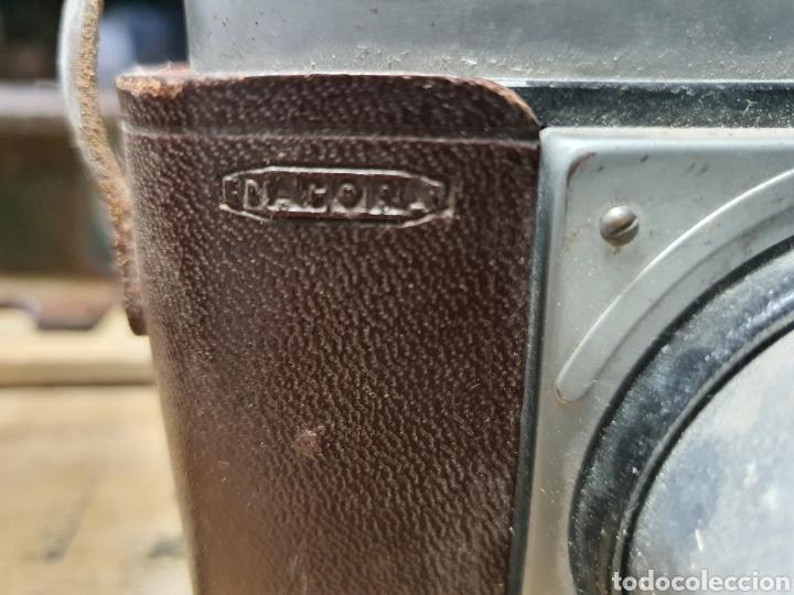 Cámara de fotos: Antigua cámara Dacora con funda. - Foto 2 - 262738250