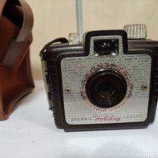 Cámara de fotos: BAQUELITA.KODAK BROWNIE HOLIDAY 1953. Lote 274182748
