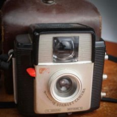 Appareil photos: KODAK BROWNIE STARLET, FORMATO 127. BAKELITA. FUNDA ORIGINAL.. Lote 276221653