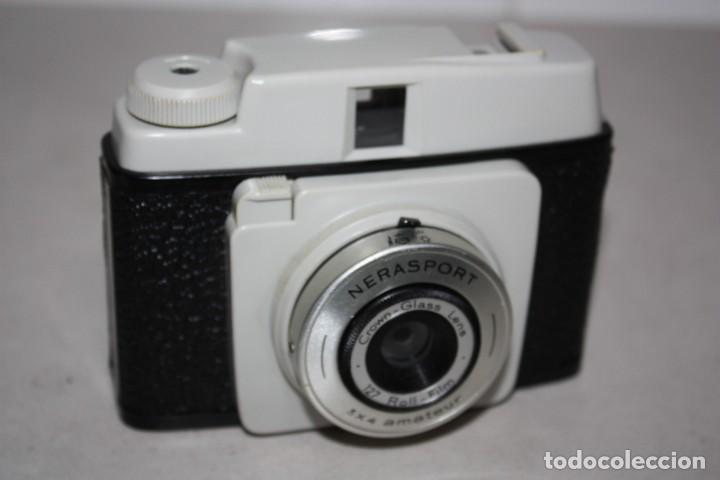 ANTIGUA MÁQUINA DE FOTOS DE LOS AÑOS 60. (Cámaras Fotográficas - Clásicas (no réflex))