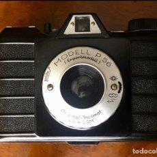 Cámara de fotos: ANTIGUA CÁMARA DE COLECCIÓN MODELL P56 EXPORTMODELL. Lote 297096868