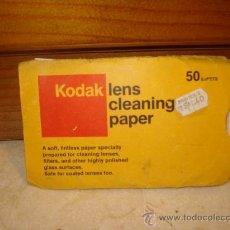 Cámara de fotos: PAPEL KODAK LIMPIALENTES AÑOS 70. Lote 10079280