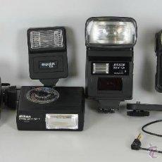 Cámara de fotos: LOTE DE 6 FLASHES ELECTRICOS PARA CAMARA FOTOGRAFICAS. CIRCA 1980.. Lote 208797266