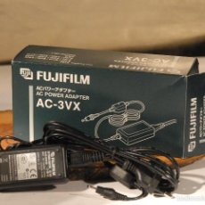 Appareil photos: CARGADOR FUJI A.C POWER A.C 3-VX. Lote 55333587
