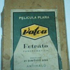 Cámara de fotos: VALCA - CAJA DE PELICULA PLANA-RETRATO PANCROMATICA - CONTIENE 21 PELICULA PLANA (LAMINA)- RARA. Lote 56576082