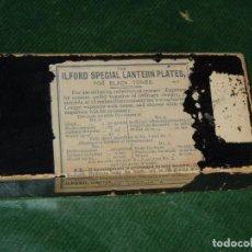 Cámara de fotos: CAJA DE PLACAS ILFORD SPECIAL LANTERN PLATES FOR BLACK TONES. Lote 67404097
