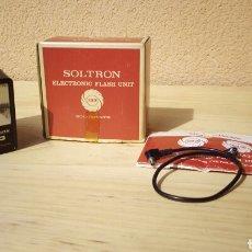 Cámara de fotos: FLASH ELECTRONICO SOLTRON - ELECTRONIC FLASH UNIT REF. 133 - MADE IN JAPAN AÑOS 70 FUNCIONANDO . Lote 81722094