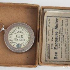 Cámara de fotos: ANTIGUO EXPOSIMETRO WATKINS BEE METER INGLATERRA JUNIO DEL AÑO 1919 CON SUS INTRUCCIONES Y CAJA. Lote 96573344