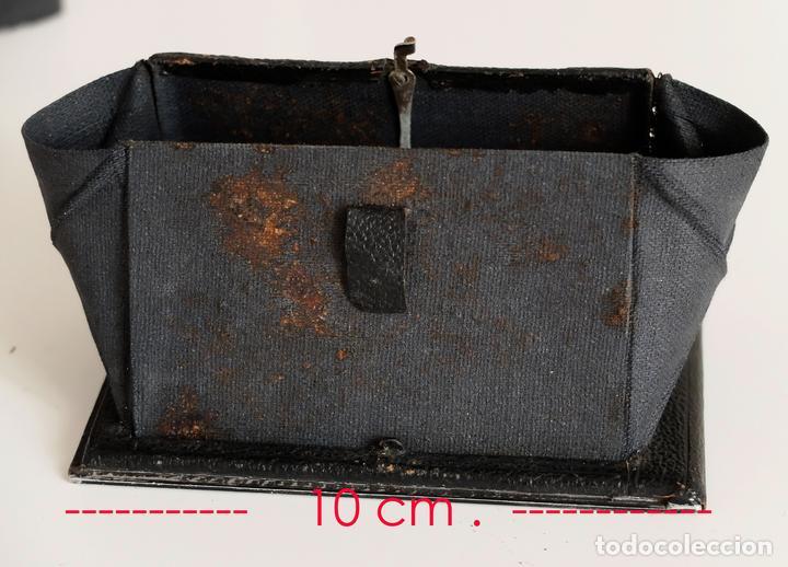 Cámara de fotos: VISOR PARA ANTIGUA CÁMARA DE PLACAS RIETZCHEL 6,5 X 9 - Foto 4 - 118329911