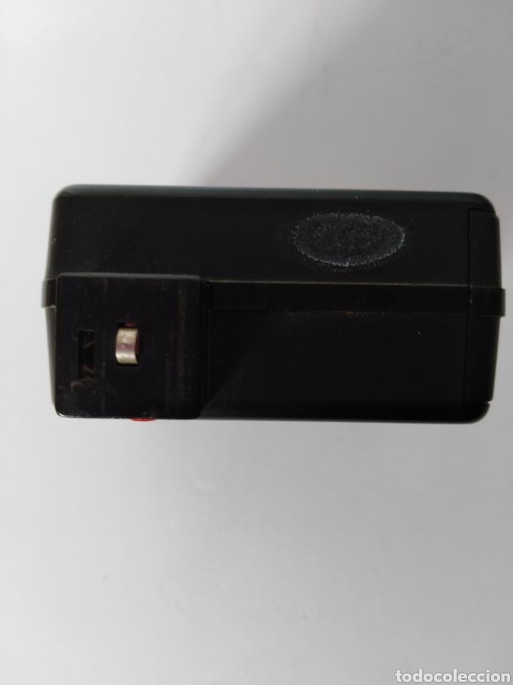 Cámara de fotos: Antiguo flash cámara fotográfica - Foto 3 - 106065706