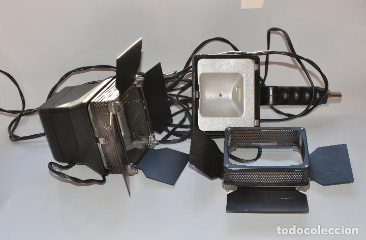 DOS FOCOS DE FOTOGRAFIA WERLISA 100 LUX FALTAN LAS BOMBILLAS 26 CM POR 24 (Cámaras Fotográficas Antiguas - Objetivos y Complementos )