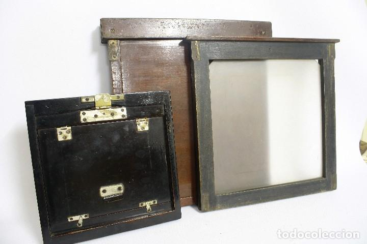 Cámara de fotos: 2 chasis para placas y un visor de madera para cámara gran formato. 1930s - Foto 3 - 113912203