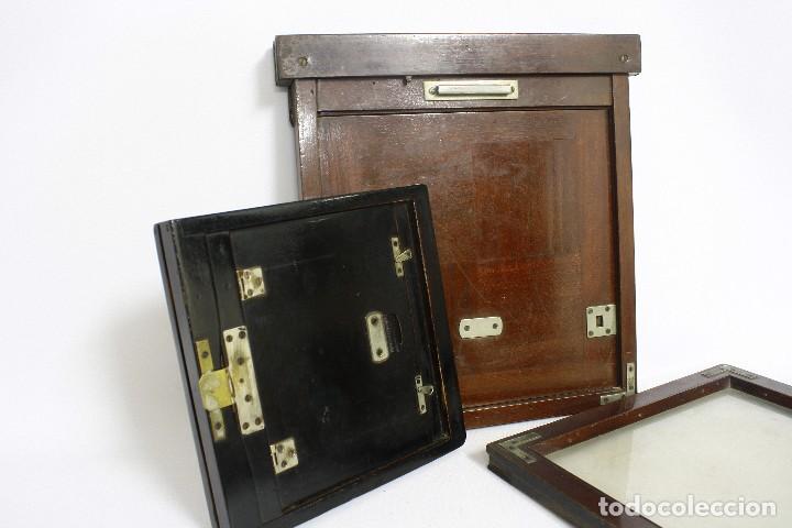 Cámara de fotos: 2 chasis para placas y un visor de madera para cámara gran formato. 1930s - Foto 5 - 113912203