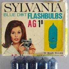 Cámara de fotos: ANTIGUO ESTUCHE DE 5 BOMBILLAS SYLVANIA BLUE DOT FLASHBULBS - AG 1 B -. Lote 275593618