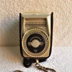 Cámara de fotos: FOTOMETRO RUSO LENINGRAD 4 CON FUNDA PIEL O CUERO Y CADENA. Lote 142605278