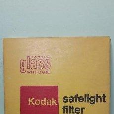 Cámara de fotos: KODAK / FILTRO DE LUZ DE SEGURIDAD / SAFELIGHT FILTER / GBX-2 / ¡¡¡NUEVO!!!. Lote 145863250