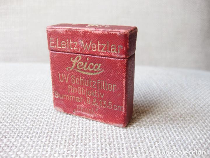 ANTIGUA CAJA DE FILTRO UV SCHUTZFILTER LEICA 9 & 13,5 MM - E. LEITZ, WETZLAR - FBOOK (Cámaras Fotográficas Antiguas - Objetivos y Complementos )