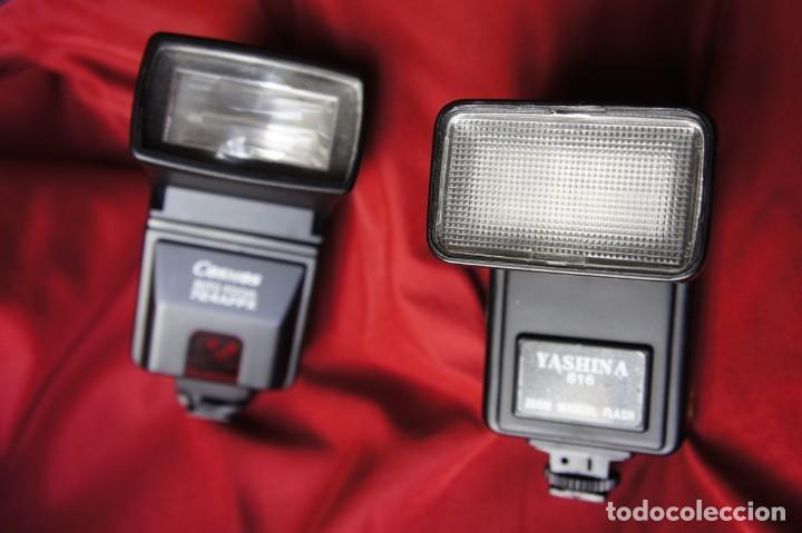 LOTE DE DOS FLASHES ELECTRÓNICOS FUNCIONANDO (Cámaras Fotográficas Antiguas - Objetivos y Complementos )