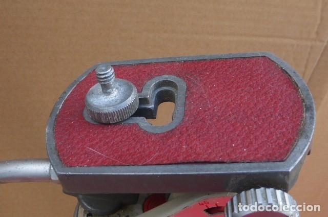 Cámara de fotos: Tripode metalico.Alemania. Cabezal completo y perfecto, brazo...Patas defectuosas el cierre..LEER - Foto 3 - 175108679