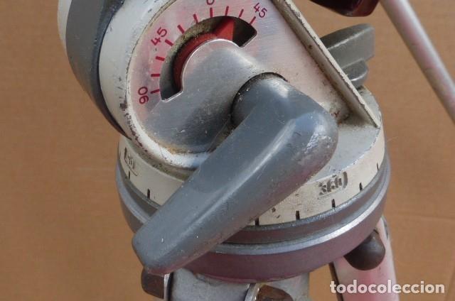 Cámara de fotos: Tripode metalico.Alemania. Cabezal completo y perfecto, brazo...Patas defectuosas el cierre..LEER - Foto 5 - 175108679