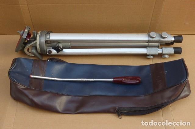 Cámara de fotos: Tripode metalico.Alemania. Cabezal completo y perfecto, brazo...Patas defectuosas el cierre..LEER - Foto 9 - 175108679