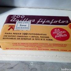 Cámara de fotos: CAJA CON 200 ANILLOS FIJAFOTOS. Lote 180388792