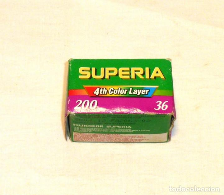 CARRETE FUJICOLOR SUPERIA 200 - 36 FOTOS.PRECINTADO. (Cámaras Fotográficas Antiguas - Objetivos y Complementos )